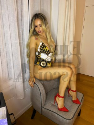 Marie-cindy escort girl