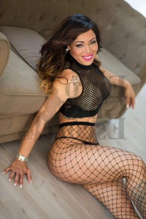 Liziane escort girl in Manchester